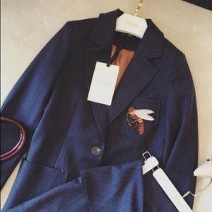 Women's suit grey with 🐝 coat
